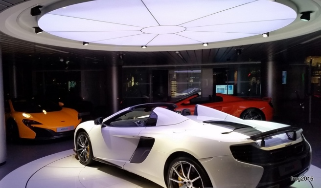Some cars... there's a Mclaren shop by Knightsbridge
